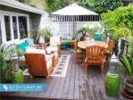 Meja dan Kursi Outdoor Mewah