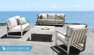 Meja dan Kursi Outdoor Pantai