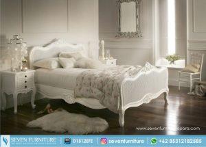 Set Tempat Tidur dan Nakas Lonita