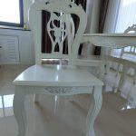 Meja Makan 4 Kursi Putih Klasik