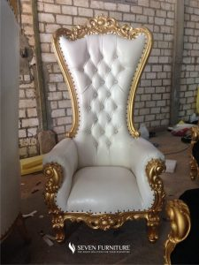 Sofa Syahrini Putih Emas
