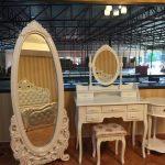 Standing mirror & Dresser
