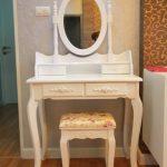 Meja Rias Shabby Putih