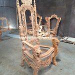 Kursi Raja Mahoni