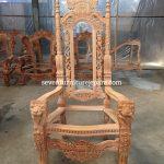 Kursi Raja Putih Duco