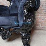 Detail Sofa Romawi Hitam Glossy