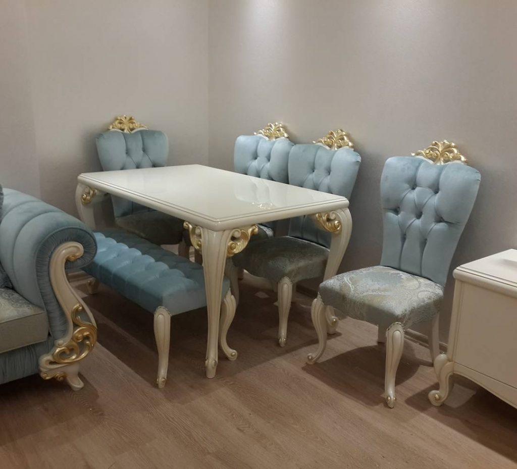 Meja Makan Ukir dan Kursi Bangku Klasik Mewah Shabby